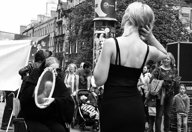 Edinburgh Fringe on the Mile 2015 046