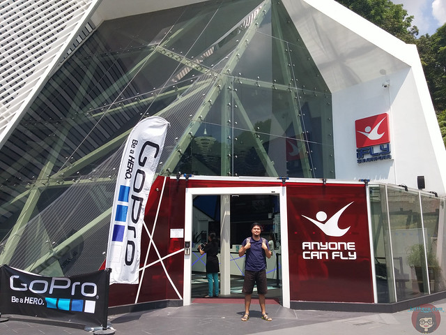 iFly_entrance