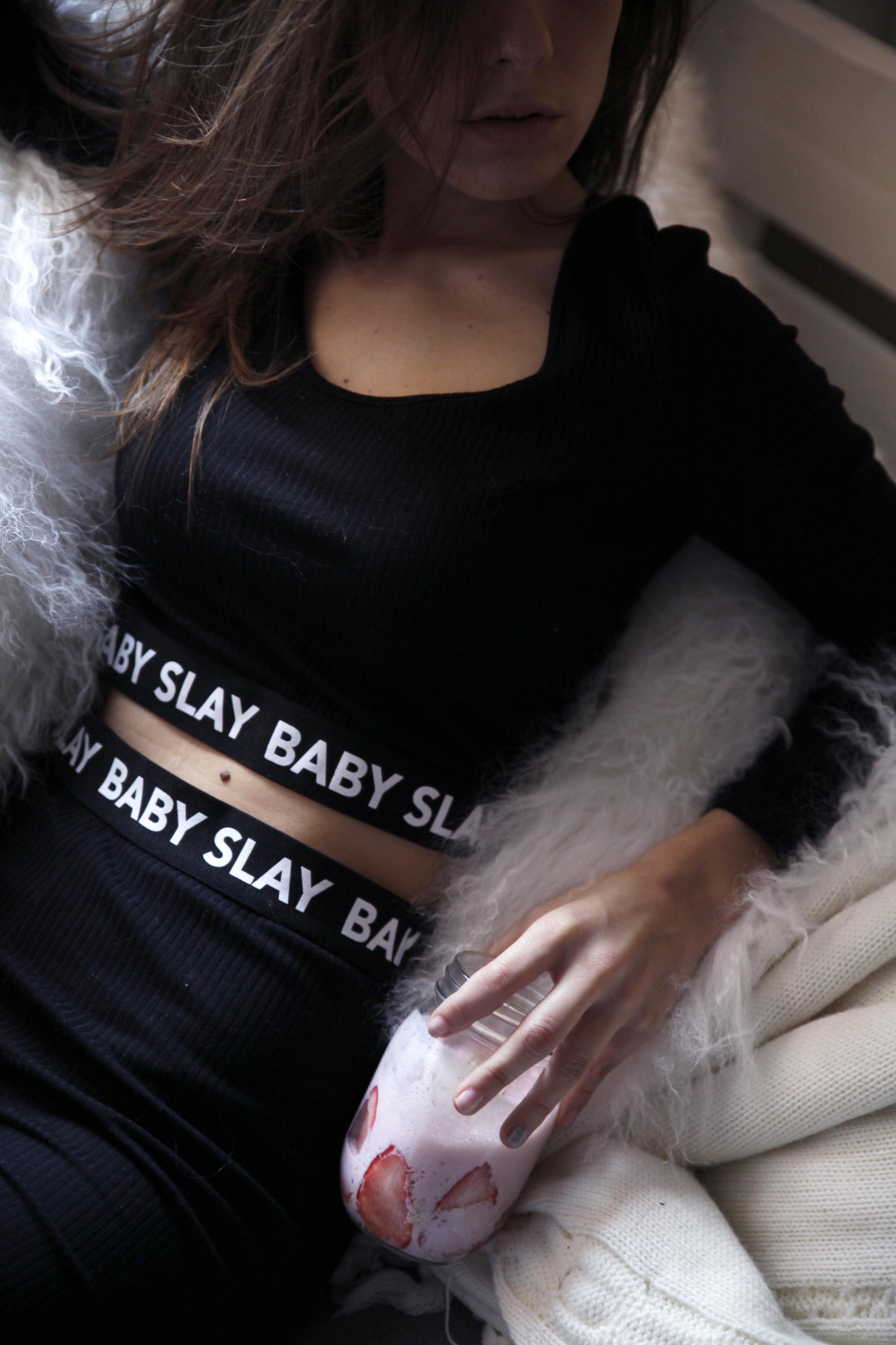 013_baby_slay_batido_de_frutas_para_empezar_el_lunes_theguetstgirl_laura_santolaria_influencer_barcelona