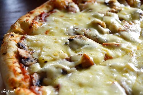 PIZZA COMBI MALANG