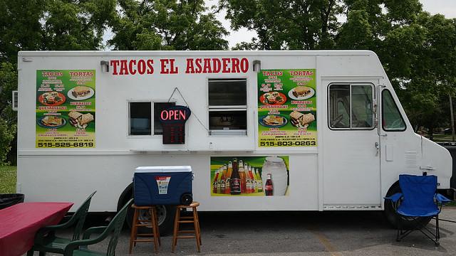 Tacos El Asadero Taco Truck in Des Moines, Iowa