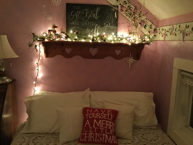 Jessica & Leah's Christmas Room Reveal