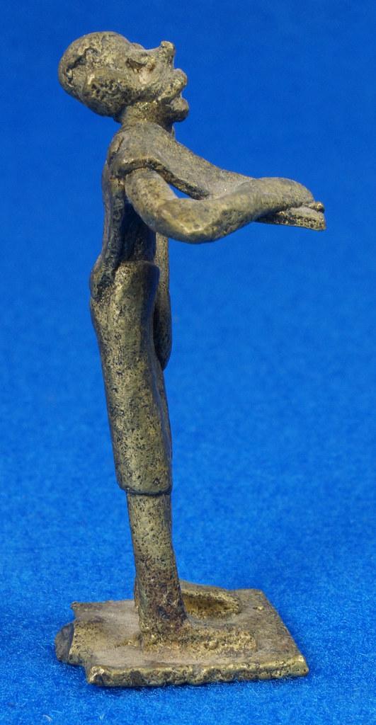 RD15105 4 Vintage African Hand Made Folk Art Primitive Figurines Solid Cast Brass Burkina Faso Yoruba West Africa DSC07132