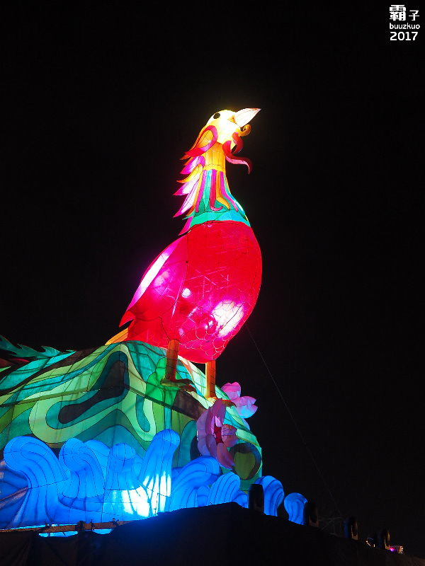 32585196682 dab693853e b - 2017台中燈會,鳳凰花開加各種花燈齊聚港區藝術中心~