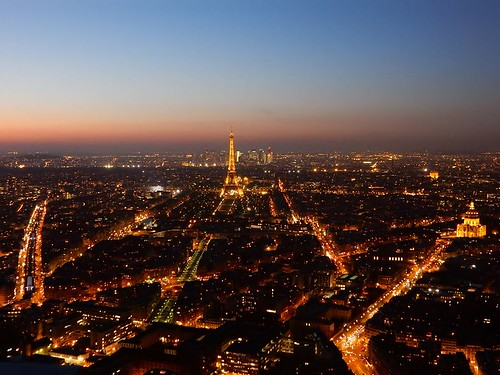 Dusk over the skyline of romantic and fashionable Paris