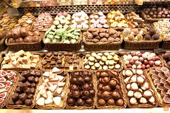 baking, confectionery, petit four, sweetness, produce, bakery, food, marketplace, pã¢tisserie, chocolate, praline,