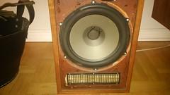 loudspeaker(1.0), subwoofer(1.0), electronic device(1.0),