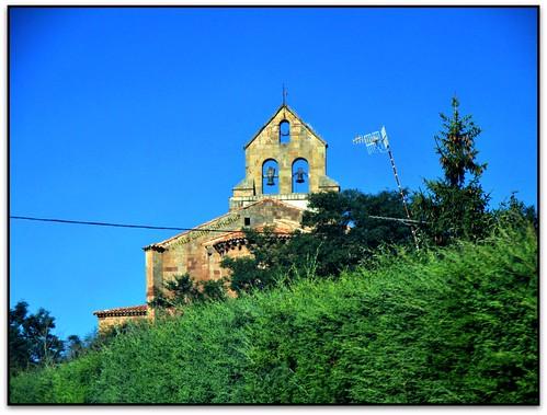 Connexió divina, Iglesia de San Juan Bautista, Villanueva de la Nía (Cantabria, España)