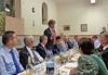Ansprache des Karlsruher Oberbürgermeisters Frank Mentrup am späten Abend im Speisesaal.