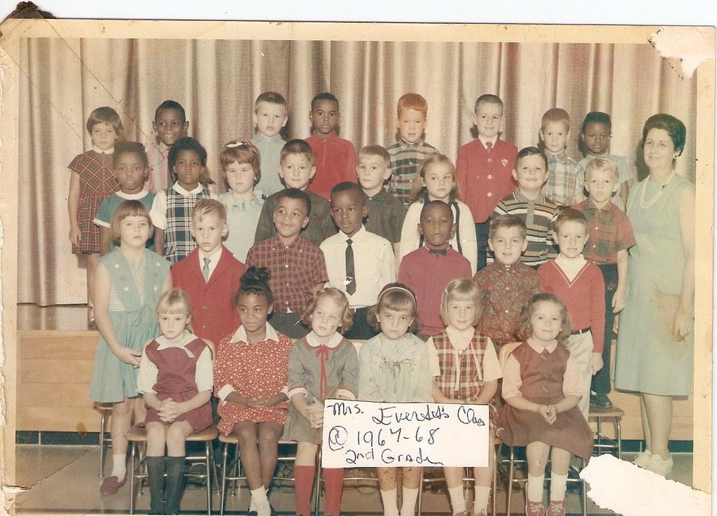 A grade school class.