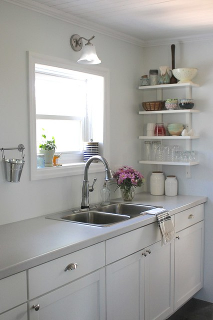 farmhouse-white-kitchen