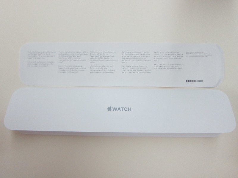 Apple Watch 42mm Black Sport Band - Box Contents