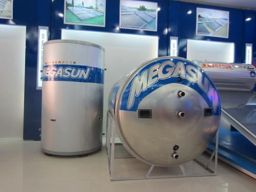 Bồn chứa nước lạnh và bồn bảo ôn chưa nước nóng Megasun