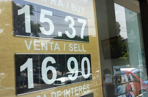 Sale Banco de México al rescate del peso