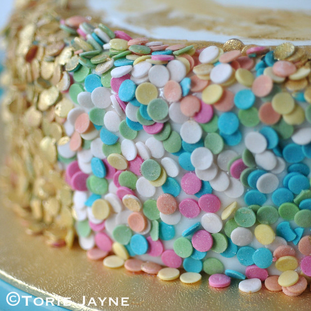 Edible sequin cake tutorial 1