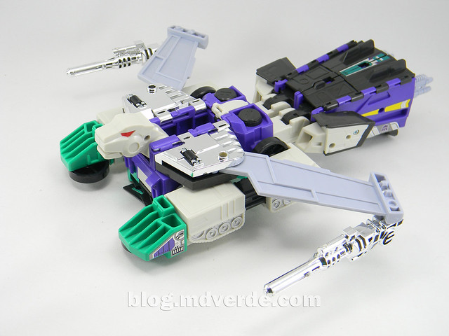 Transformers Sixshot G1 Reissue - Transformers Asia - modo lobo volador