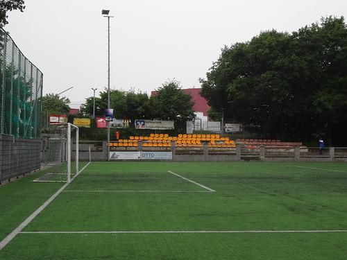 Waldstadion Berkum (tenants: SV Wachtberg)