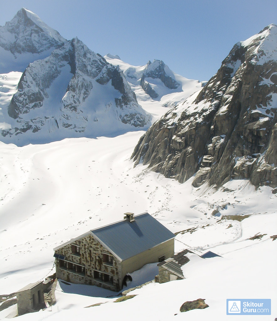 Oberaletschhütte Berner Alpen / Alpes bernoises Switzerland photo 01