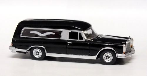 BoS Mercedes 600 bestattungswagen (1)