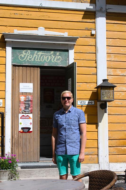 Café Svenkka Pehtoorin talossa Puotilassa Kaikki Paketissa