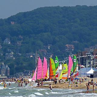 Poste De Garde 4 長さ 3901 メートルのビーチ の画像. panasonicdmctz30 2013 cabourg calvados 14 normandie france europeanunion july beach 100
