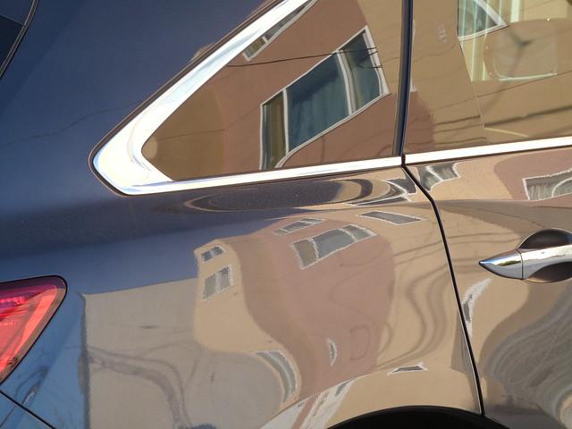 A14212 car reflects abstractly, Panasonic DMC-FZ47