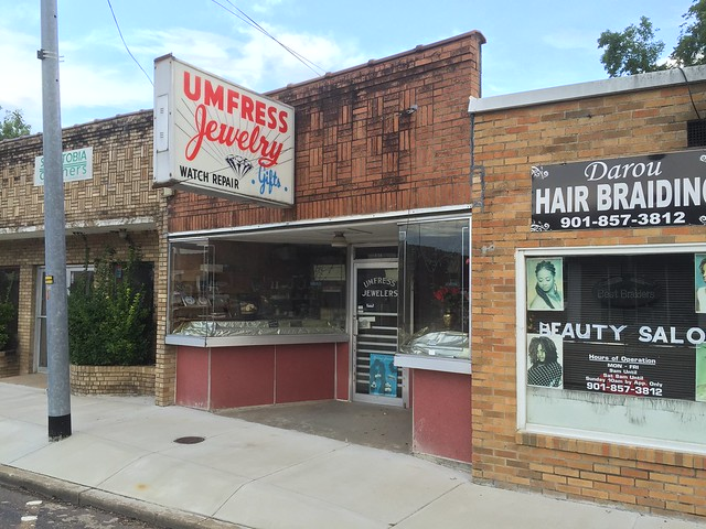 Umfress Jewelers. Senatobia, Miss.