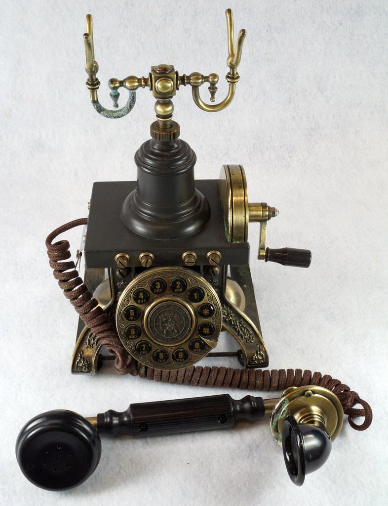 RD15260 Vintage Retro 1892 Eiffel Tower Paramount Replica Desk Telephone DSC08875