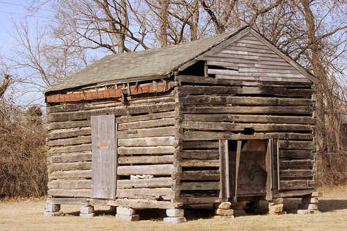 Akin Log House - LaVergne, TN