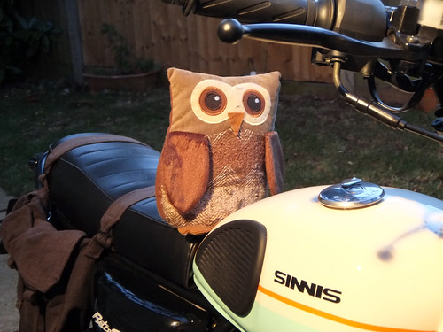 sinnis, retrostar, motorbike, motorcycle, review, 125, 125cc, owl