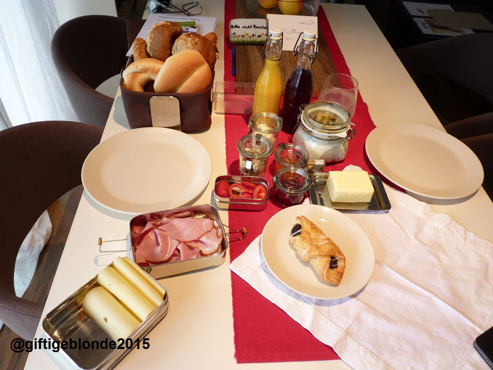 perfektes Frühstück, kommtm ins Haus geliefert