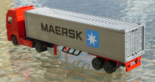 Majorette Transporter - Mercedes-Benz Actros, Maersk container