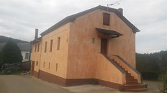 fachada con efecto rustico en arancedo
