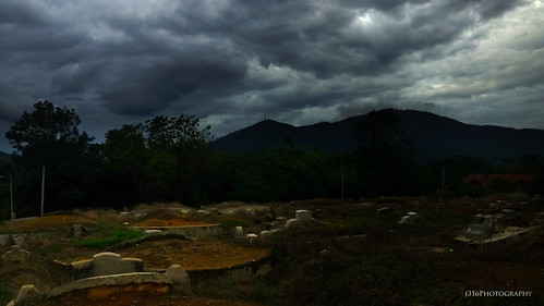 grave mountain clouds sky tampin j316 malaysia sony a77 hope chinese