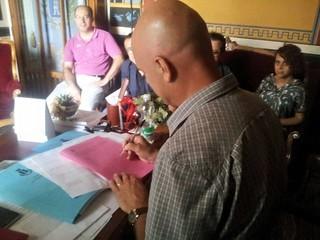 Casamassima- Vito Cessa firma la sua prima delibera di Giunta