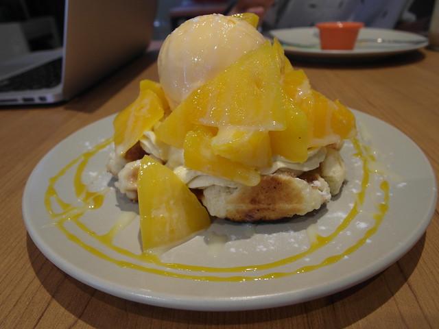 愛文芒果冰淇淋鬆餅(季節限定)($160)@Waffle Please比利時列日鬆餅大安店
