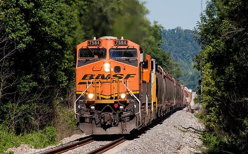 BNSF Train M-MEMBIR1-01