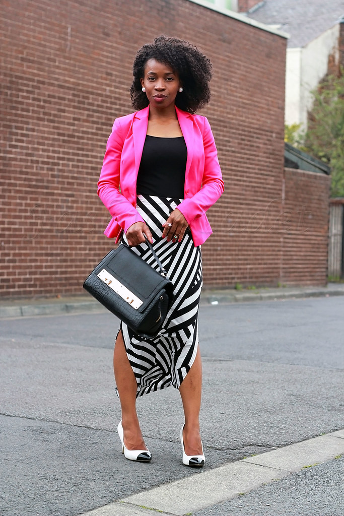 work-office-style-chic,black and white heels, side slit maxi skirt, striped slit maxi dress, double slit maxi skirt, Side splits striped maxi skirt, hot pink blazer, striped side slit maxi skirt, striped side split skirt, striped side slit maxi skirt