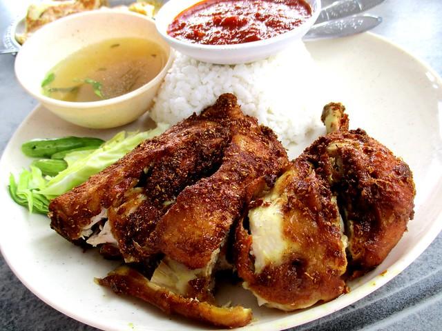 Janggut's ayam penyet