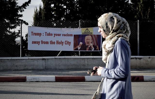 Trump ameaça mudar embaixada norte-americana de Tel Aviv para Jerusalém