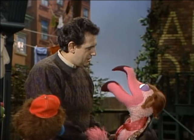 Plácido Domingo meets Plácido Flamingo on Sesame Street (screenshot from YouTube)