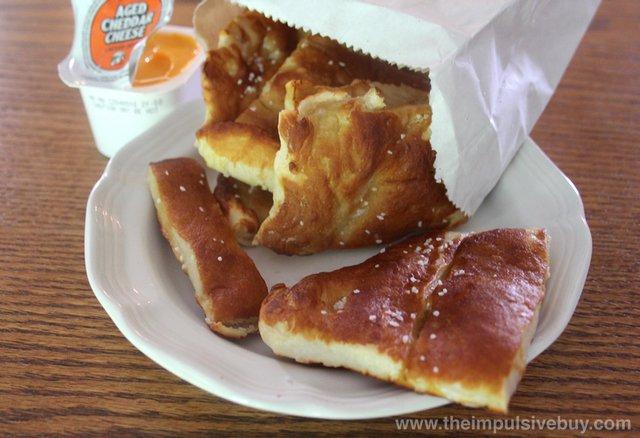 Little Caesars Cheese-N-Pretzel Dippers 2