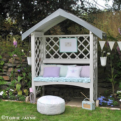 Garden arbour bench styled up