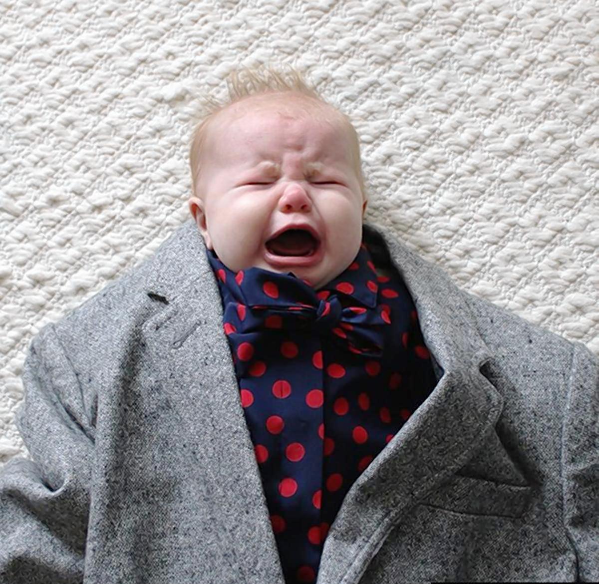 Фотосессия малышей во взрослой одежде