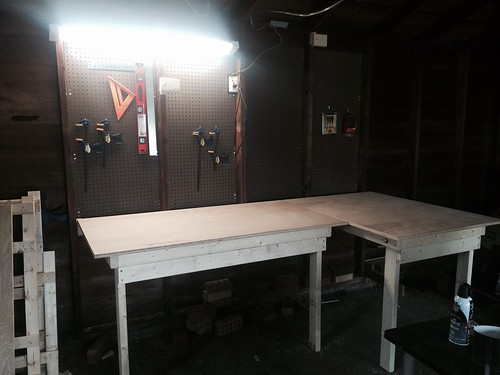 Woodworking Wednesdays: the double drop-down workbench.