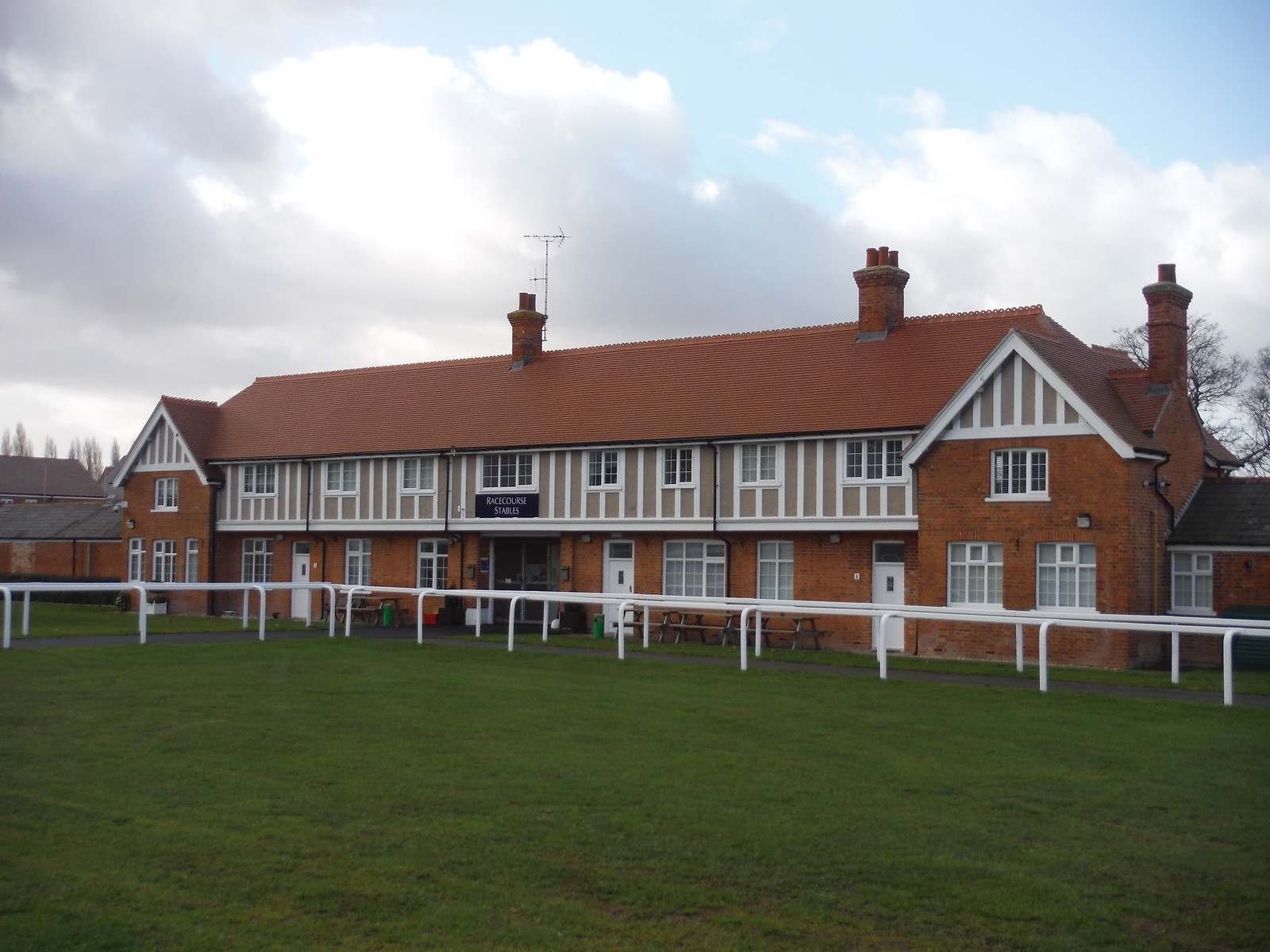 Racecourse Stables SWC Walk 34 Newbury Racecourse to Woolhampton (Midgham Station)