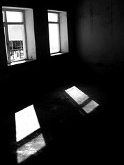 white, light, monochrome photography, monochrome, darkness, black-and-white, shadow, lighting, black,