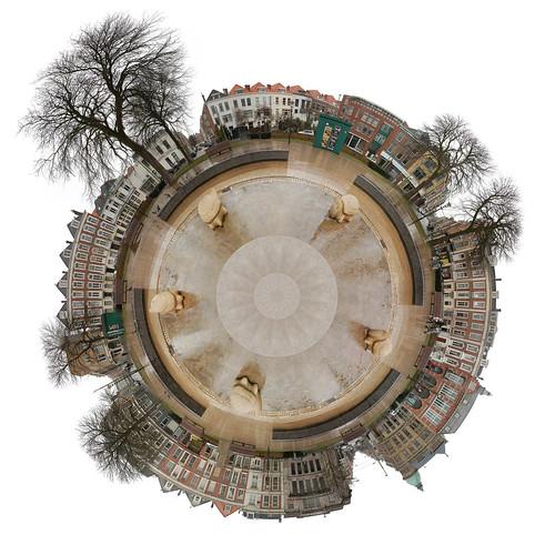 autostitch photoshop amazingcircle circle thenetherlands denhaag apex planet stitched thehague tutorial zeeheldenbuurt flickrfly planetshapedamazingcircle planetshapedamazingcircles polarpanorama prinshendrikplein