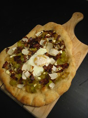 Leek, Bacon, Belgian Endive and Goat Cheese Pizzet…