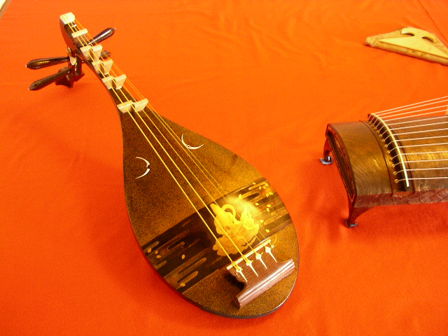Japanese lute / 琵琶 | Explore cytech's photos on Flickr ...